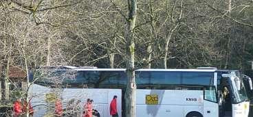 Macedonie spelers naar de Bus